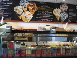 PARTY in MIAMI - Cold Stone Creamery in Pinecrest